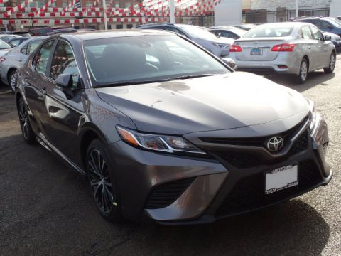 New Toyota Camry SE