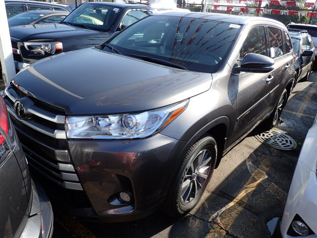 New Toyota Highlander Xle Awd Suv Awd Xle Suv In