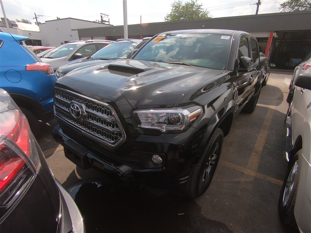 Certified Pre-Owned 2017 Toyota Tacoma TRD