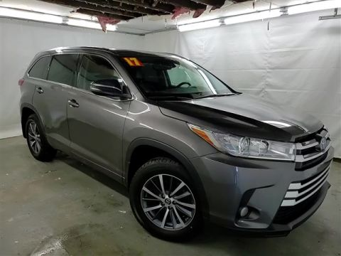 Certified Pre-Owned 2017 Toyota Highlander XLE AWD